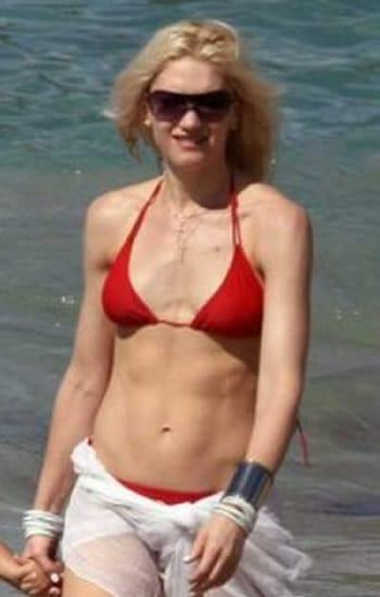 Gwen Stefani beach look