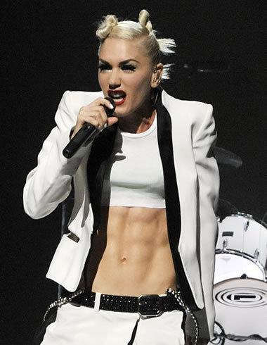 Gwen Stefani hitting the high notes