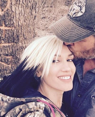 Gwen Stefan received a kiss on the forehead by boyfriend
