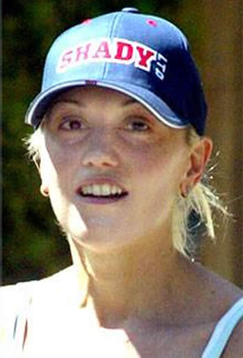 Gwen Stefani spotted wearing a cap on a sunny day