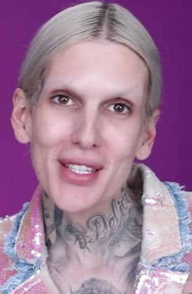 Jeffree Star before makeup application
