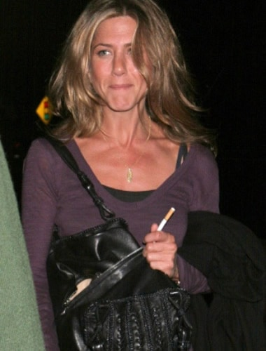 Jennifer Aniston smoking habit