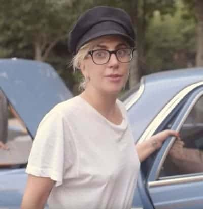 Lady Gaga wears plain looking glasses without makeup