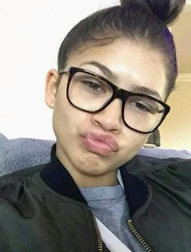 Zendaya with the big kiss