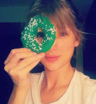 Taylor Swift is giving donuts