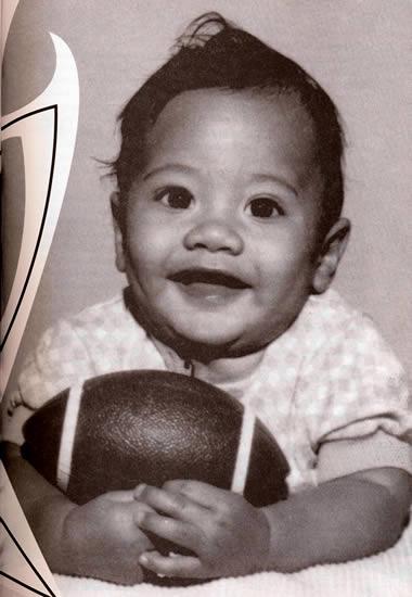 Little Dwayne Johnson wants to play ball