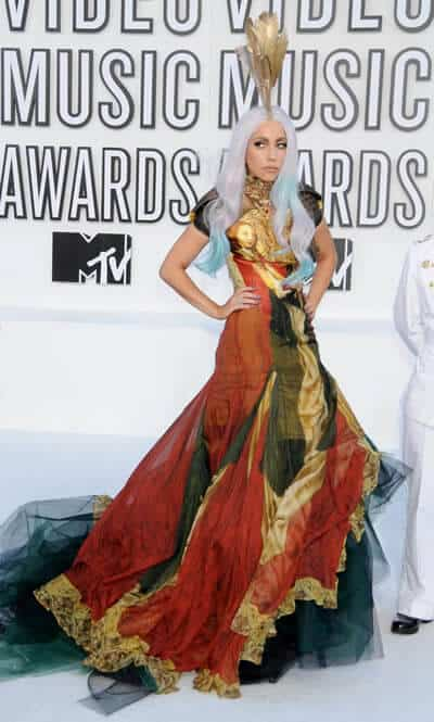 Lady Gaga looks like an ancient Indiana goddess in this gown