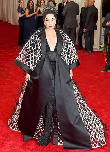 The singer dressed in a Japanese kimono-inspired coat designed by Alexander Wang