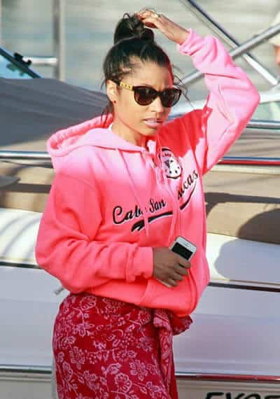 Nicki Minaj wearing sunglasses