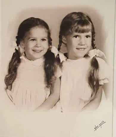 Sarah Jessica Park with her elder sister