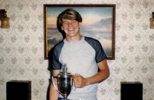 Young Gordon Ramsay look like a dream boat