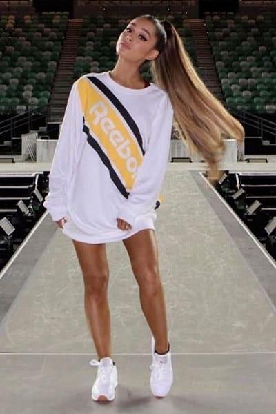 Ariana Grande like a cheerleader