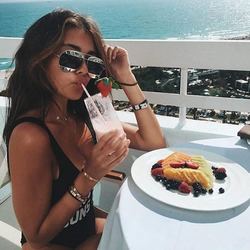 Madison Beer having fruits and smoothies for breakfast