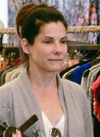 Sandra Bullock is a confident shopper