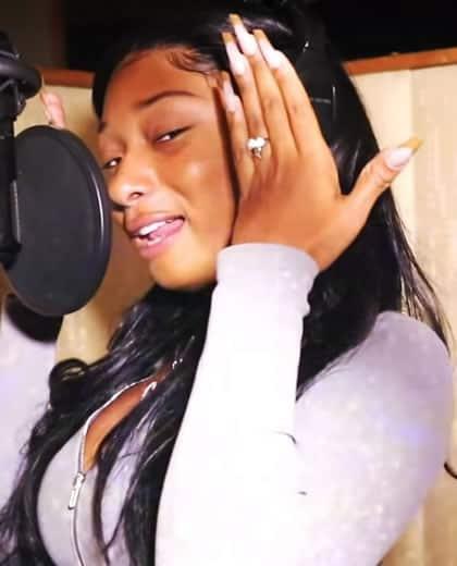 Megan Thee Stallion freestyle rap in the studio
