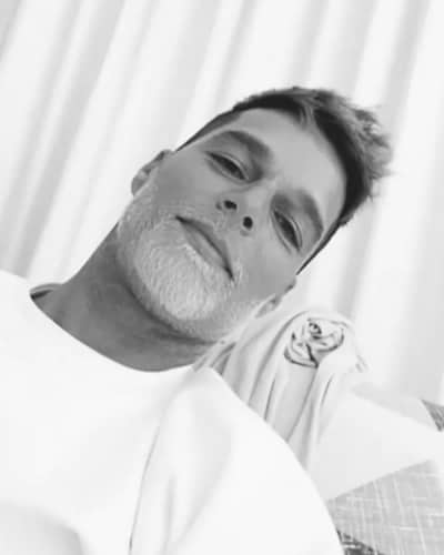 Ricky Martin will look handsome with any beard color