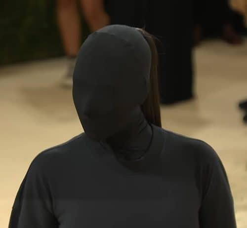 Kim Kardashian Met Gala 2021 face close up