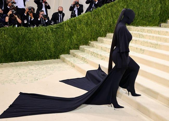 Kim Kardashian West Met Gala 2021 walking up the stairs